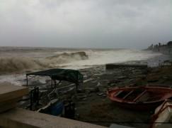 Emergenza maltempo in Calabria, mareggiate nelle zone joniche