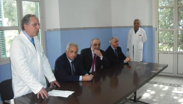 Fotografie dell'inaugurazione del nuovo reparto dell'ospedale di Melito PS