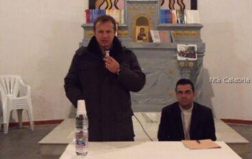 """Foto dell'incontro di mister Breda con la parrocchia """"SS Trinità"""" a Marina di San Lorenzo"""