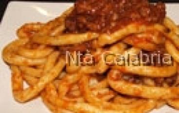 Maccheroni con salsiccia piccante
