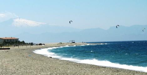 Punta Pellaro (Rc), il Kitesurf nuovo fenomeno sportivo