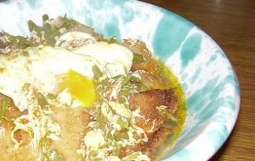 Zuppa di asparagi selvatici