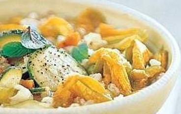 Minestrone zucchine e fiori di zucca