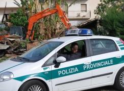 """Reggio Calabria, demolite opere fatiscenti sul Torrente """"Armo"""""""