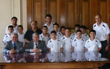 il Presidente Morabito con i Ragazzi del oratorio di Bova Marina
