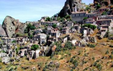 Pentedattilo ed il Fondo Ambiente Italia