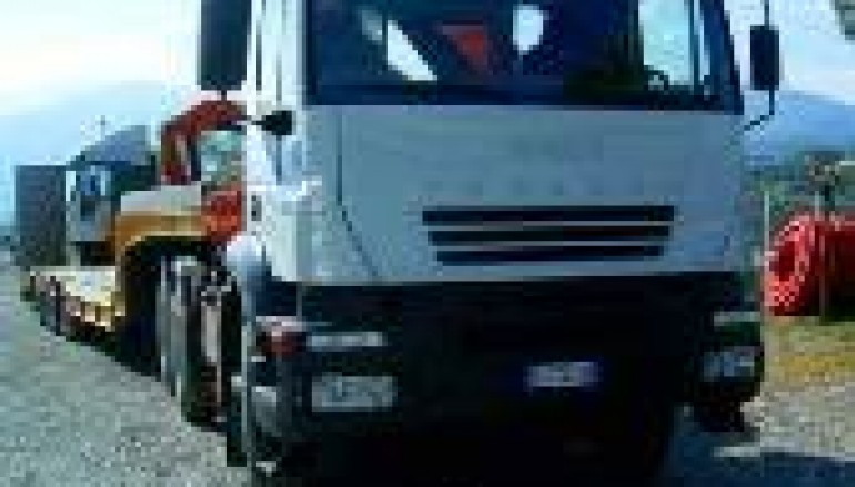 Cittanova (Rc), autotrasportatore 38enne muore schiacciato dal camion