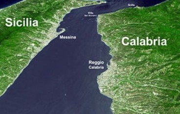 """Il sogno italiano finalmente fattibile: costruire il """"Ponte Galleggiante Abitato"""" sullo Stretto di Messina"""