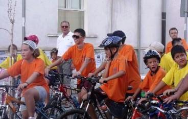 """Domenica 11 maggio """"Giornata della Bicicletta e Bimbimbici"""" sul lungomare di Roccella"""