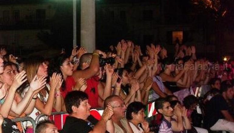 Condofuri, terza serata della festa con le foto del concerto di Paolo Meneguzzi