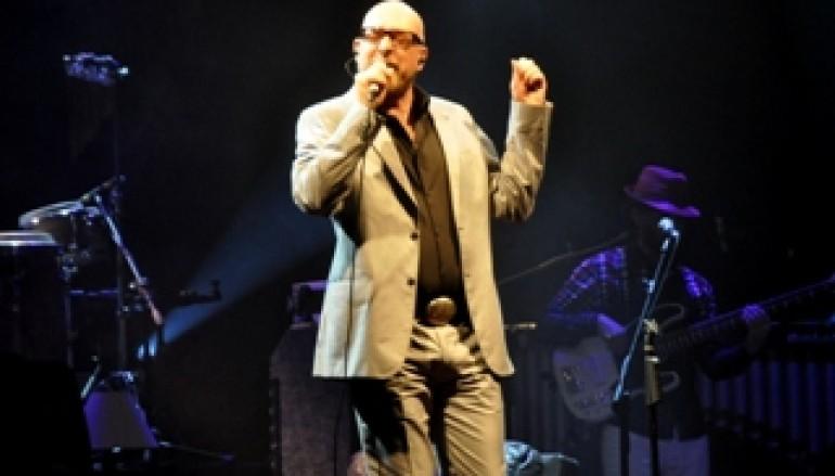 Catanzaro, l'anteprima del 'Festival d'Autunno' con Mario Biondi ha entusiasmato il pubblico di tutte le età