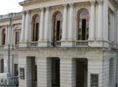 """Reggio Calabria, la magia del Natale torna al Teatro """"Cilea"""""""