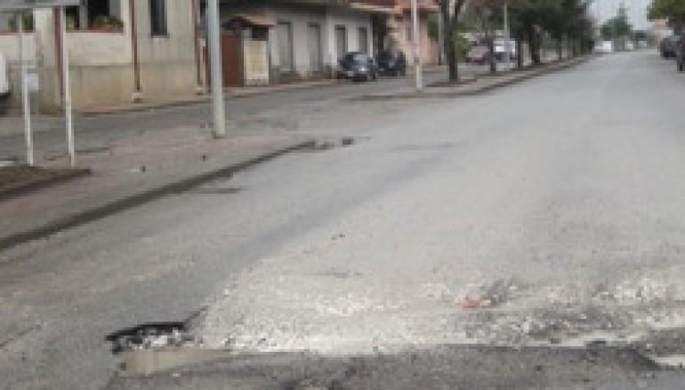 Locri (RC), criticità strade: Macrì si difende e attacca le ditte esecutrici dei lavori
