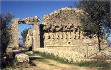 Arena (VV), rinvenute ossa umane nei pressi del Castello