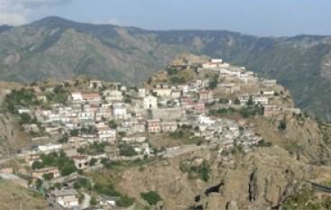A Roccaforte del Greco continueranno ad amministrare i commissari