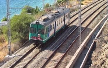 Treno regionale diretto a Cosenza fermo a causa di un guasto, ritardi per i pendolari
