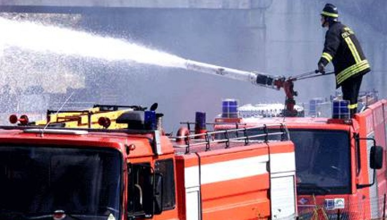 Joppolo (VV), esplode bombola di gas in appartamento, 3 feriti
