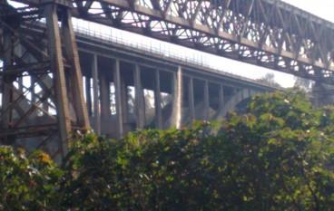Gioia Tauro (RC), sversamento lungo il ponte Petrace. Incontro presso il Comune di Gioia