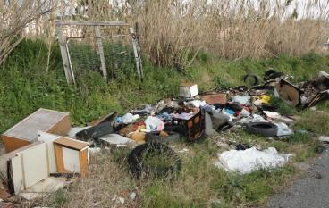 """Catanzaro, il """"Movimento Cinque Stelle"""" segnala il degrado ambientale"""