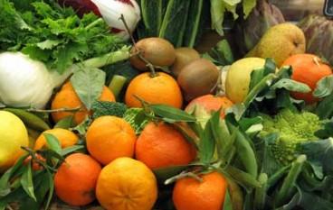 Bisignano (CS), i produttori di frutta e verdura vendono poco. L'Assessore Falcone ha chiesto un provvedimento al Comune di Cosenza