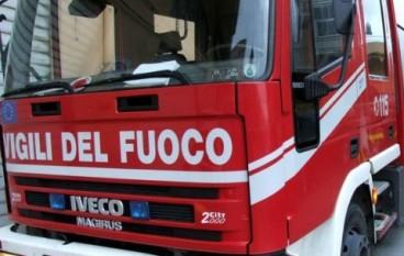 Delianuova, danno fuoco a furgone: denunciati 3 giovani