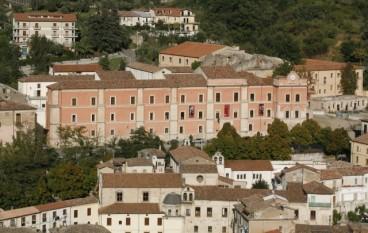 Cosenza, notte tricolore a Palazzo Arnone