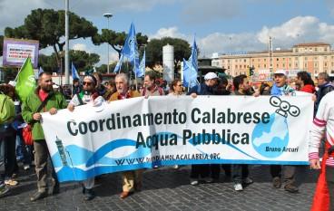 Coordinamento Calabrese Acqua Pubblica, grande partecipazione della Calabria alla manifestazione di Roma