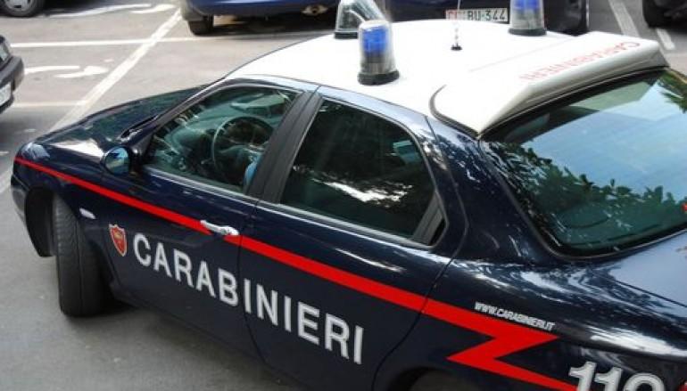 Grisolia (CS), uomo arrestato. Violenta casalinga davanti al marito