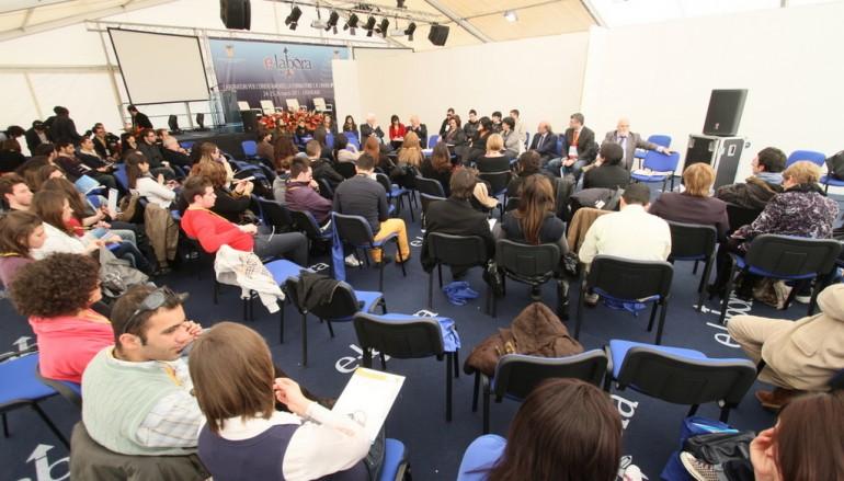 Catanzaro, seconda giornata Forum e-Labora. Laboratori e workshop nella sessione mattutina