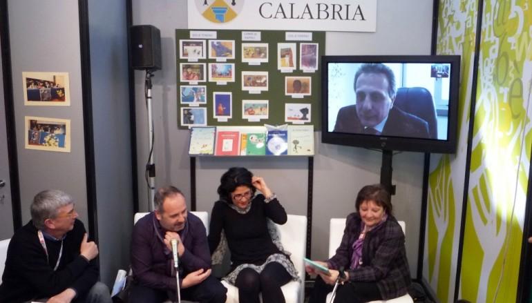 """L'Assessore Caligiuri ha presentato il """"Libro Verde sulla lettura in Calabria"""" alla Fiera del libro per ragazzi di Bologna"""