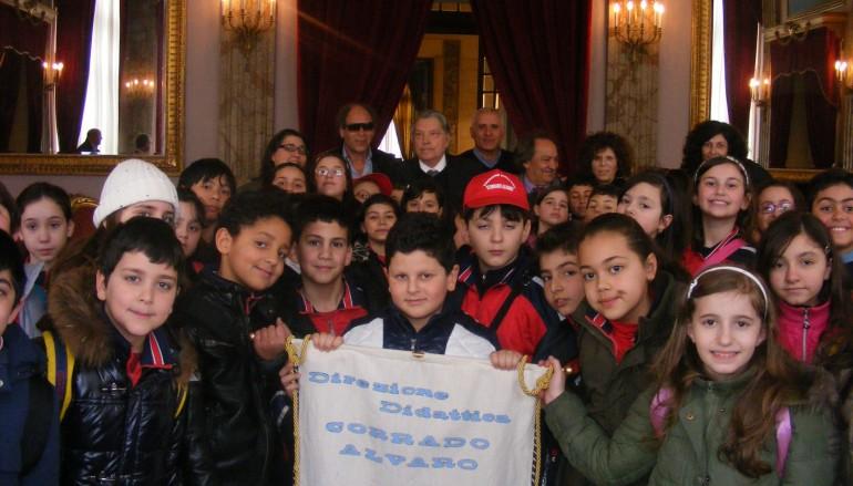 """Reggio Calabria, i ragazzi della """"Corrado Alvaro"""" in visita alla Provincia"""