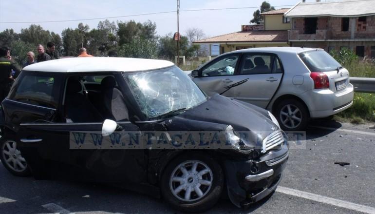 Pilati Frazione di Melito Porto Salvo, (RC) incidente al bivio SS 106, le foto ed i video