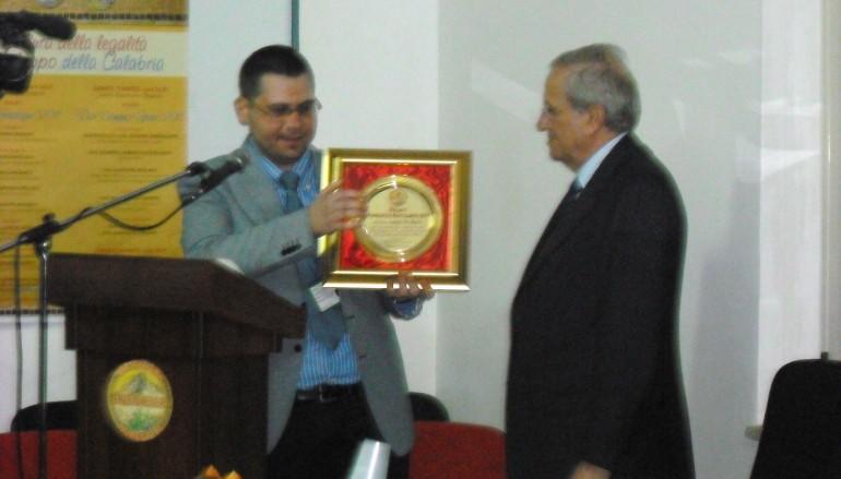 """Roghudi (RC), a De Sena il premio """"Vincenzo Restagno 2011"""""""