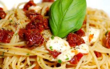 Scalea (CS), spaghetti tricolore in occasione del 150esimo anniversario Unità d'Italia
