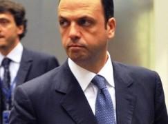 """Elezioni, Alfano a Corigliano Calabro: """"No tasse su nuovi assunti per 5 anni"""""""