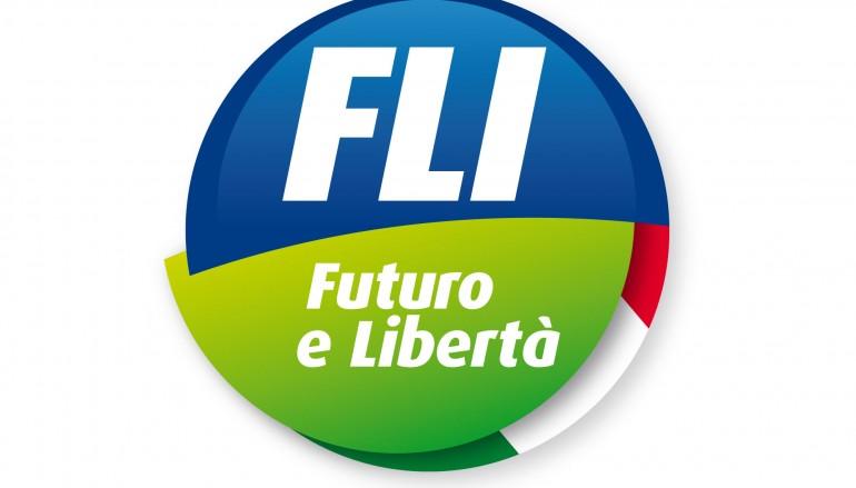 """Giovani FLI Reggio Calabria: """"Dimissioni Napoli per motivi personali, noi restiamo"""""""