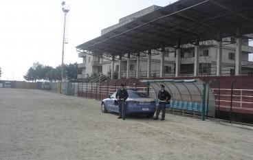 Partita Reggina-Taranto, sequestrati 9 razzi nascosti in curva sud