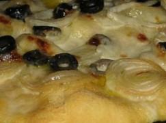 Pizza carciofi e cipolle