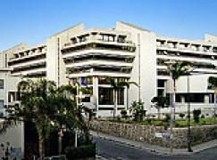 Reggio Calabria, l'occupazione dei precari sul tetto di Palazzo Campanella va avanti