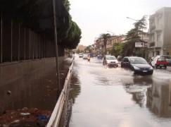 Lazzaro (RC), pochi minuti di pioggia creano tanti disagi sulla SS 106