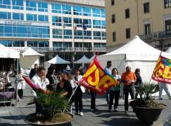 Catanzaro, sit-in di USB Scuola Calabria davanti al Palazzo della Provincia