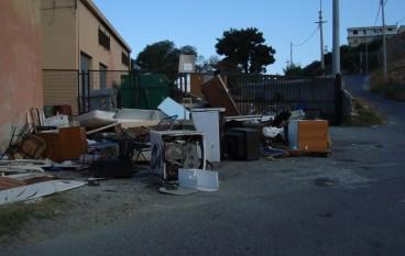 Lazzaro (RC), discarica rifiuti pericolosi e non, richiesta urgente intervento chiusura