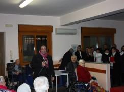 """Saline Joniche (RC), il Kiwanis e il Coro Polifonico """"Polimeni"""" alla Casa di riposo """"Azalea"""""""