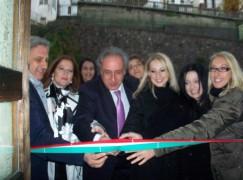 """Fagnano Castello (CS), inaugurata la mostra di Antonella Bonaffini """"Di Un Insolito Colore"""""""