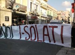 """Reggio Calabria, il Coordinamento Giovani """"I-Solati"""" ha aderito alla manifestazione di oggi"""