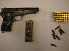 Lamezia, arrestato 32enne in possesso di arma rubata