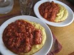 Polenta salsiccia e fagioli
