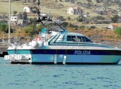 Reggio Calabria, tenta di togliersi la vita gettandosi in mare, salvato dalla Polizia