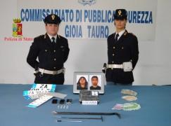 Reggio Calabria, avevano in macchina 1 Kg di cocaina, arrestati dalla Polizia