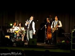 A Locri grande successo per Gigi Miseferi e Francesco Loccisano